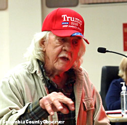 Photo of Columbia County resident Bob Evans testifying.